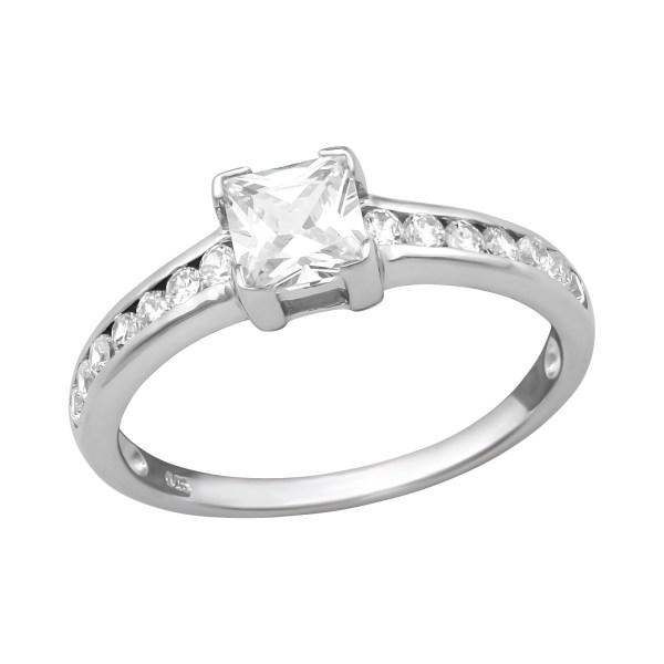 Zilveren ring met vierkante zirkonia maat 55