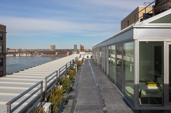 Amy Schumer has a new penthouse with river views