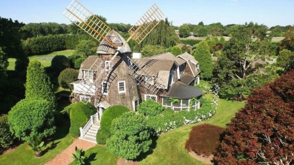 Robert Downey Jr. reportedly purchased this windmill cottage