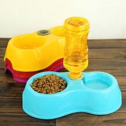 Ciotola crocchette con distributore automatico di acqua. Rosso