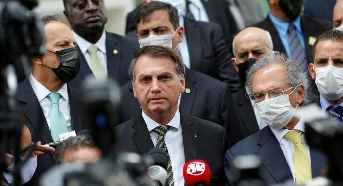 La follia politica in Brasile.