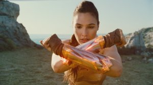 wonder woman has golden gauntlets