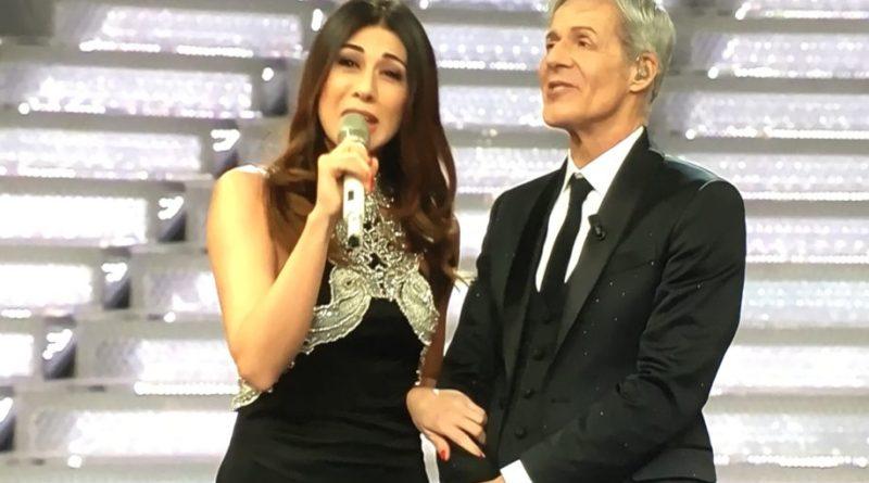 Sanremo 2018, terza serata. Virginia Raffaele e James Taylor con Giorgia