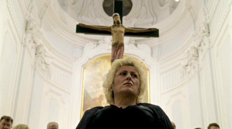 Stabat Mater, Lucianna De Falco interpreta Maria nella cattedrale di Ischia