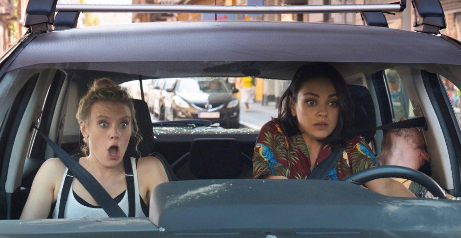 Il tuo ex non muore mai: dal primo agosto al cinema la spy comedy al femminile (TRAILER)