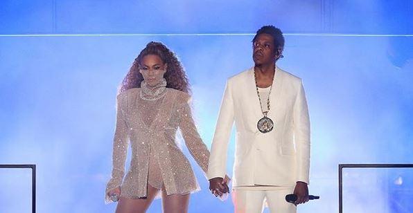 Beyoncé e Jay-Z posano nudi per un libro fotografico (GALLERY)