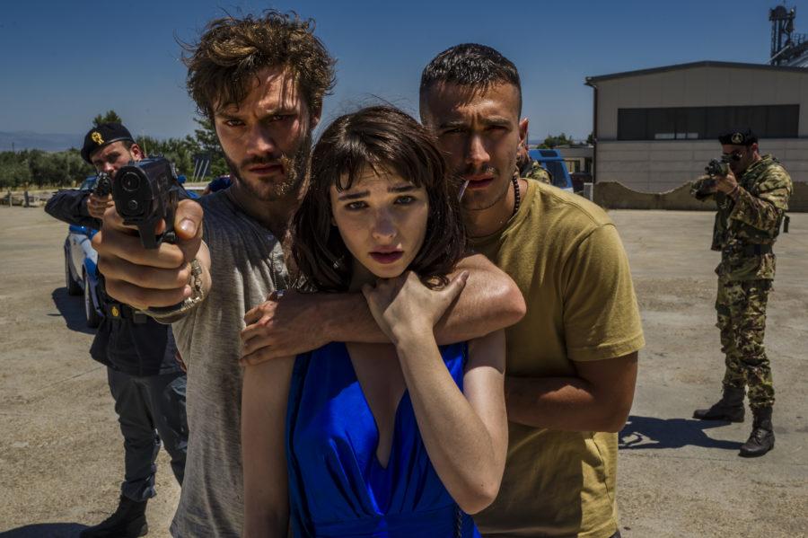 Una vita spericolata: dal 21 giugno al cinema la commedia action di Marco Ponti (TRAILER)