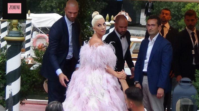 Lady Gaga strega Venezia 75. Ecco il suo arrivo al Lido (VIDEO)