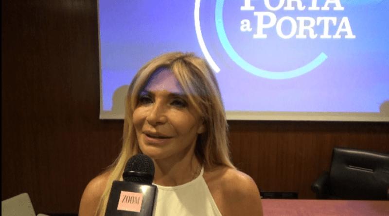 """Torna """"Porta a Porta"""": videointervista con l'inviata Vittoriana Abate"""