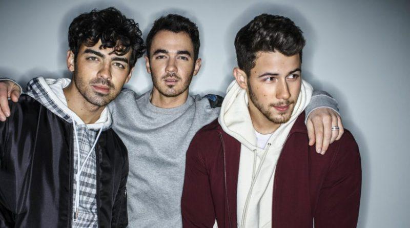 SUCKER, il ritorno dei Jonas Brothers. Online il video ufficiale