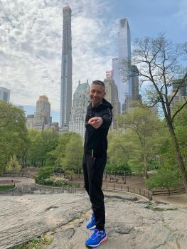 Mech paparazzato a New York