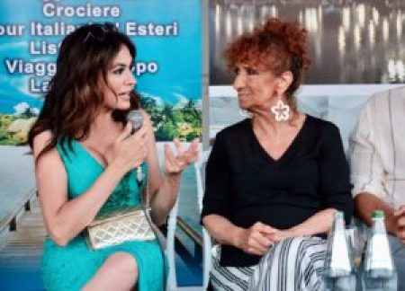 Maria Grazia Cucinotta e Anna Mazzamauro.