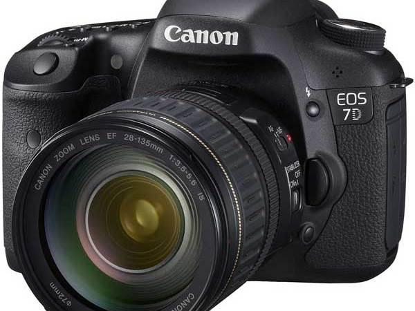 """Presentata la Canon EOS 7D, la DSLR """"Hi-End"""""""