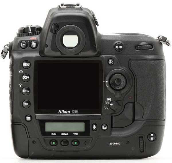 Nikon D3s back