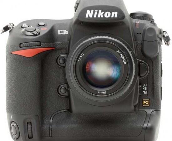 Nikon D3s 102400 ISO 12 Mpx e D-Movie HD