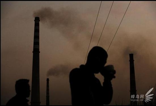 industria-siderurgica-cinese-inquina-tutto-senza-filtri