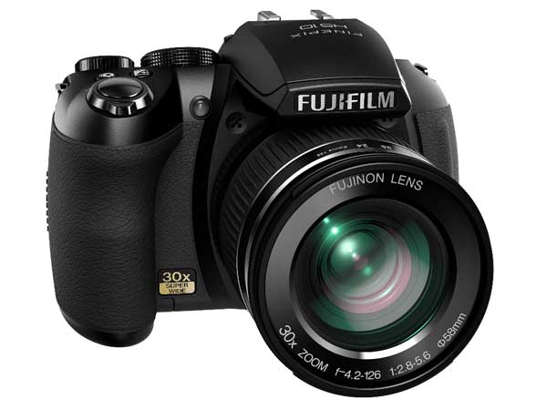 Fujifilm FinePix HS10 una bridge superzoom 30x e filmati a 1000fps