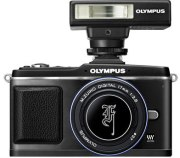 Olympus-EP-2-kit-flash-mirino-elettronico