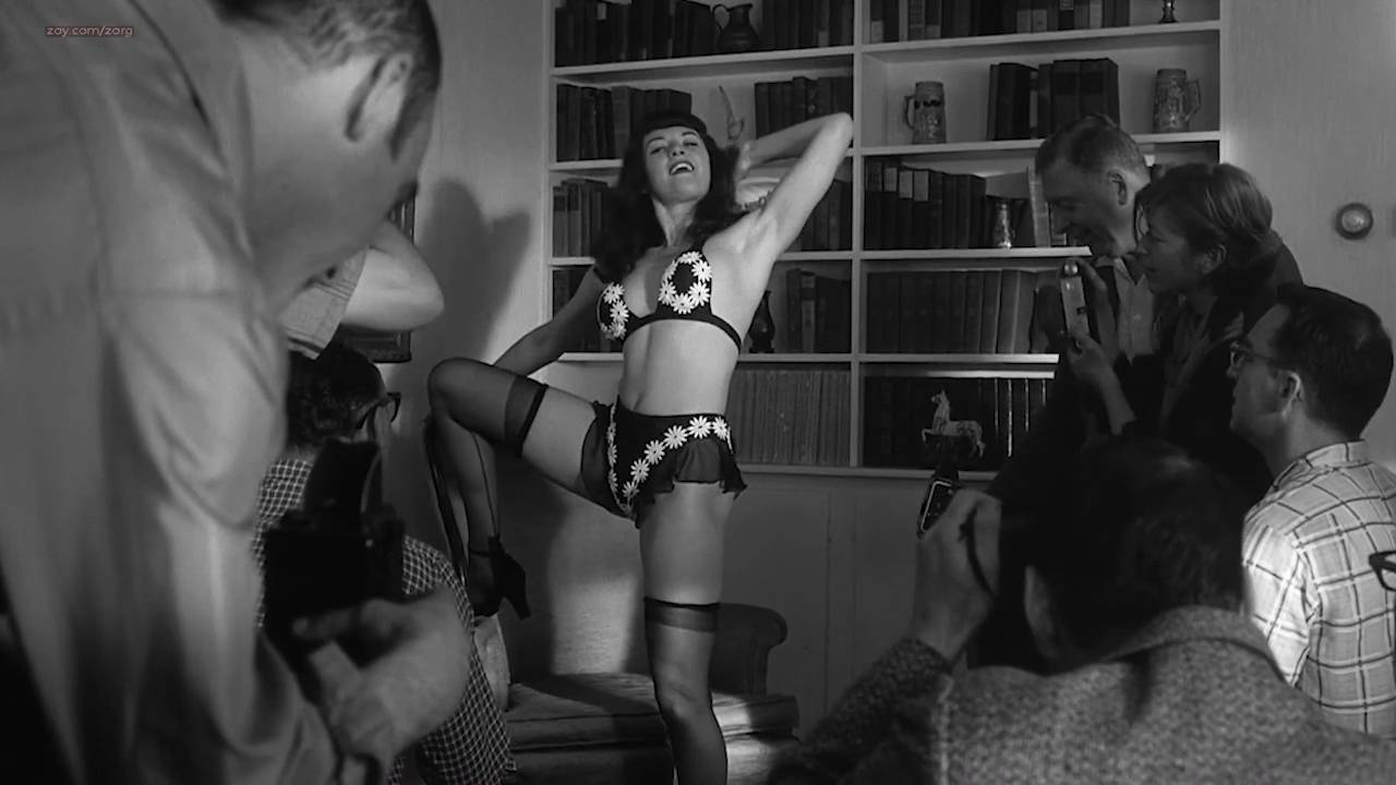 Gretchen Mol nude full frontal - The Notorious Bettie Page (2005) HD 720p (16)