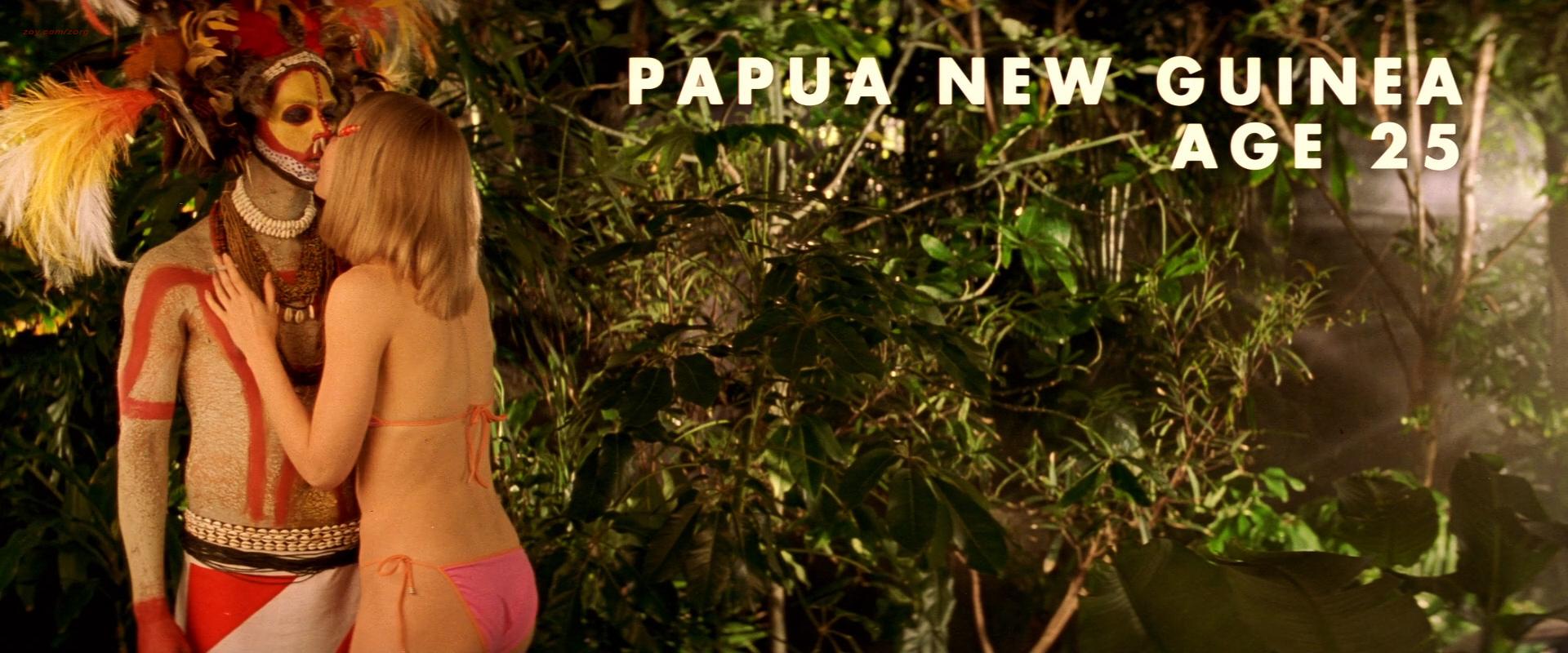 Gwyneth Paltrow sexy in lingerie - The Royal Tenenbaums (2001) hd720-1080p (1)