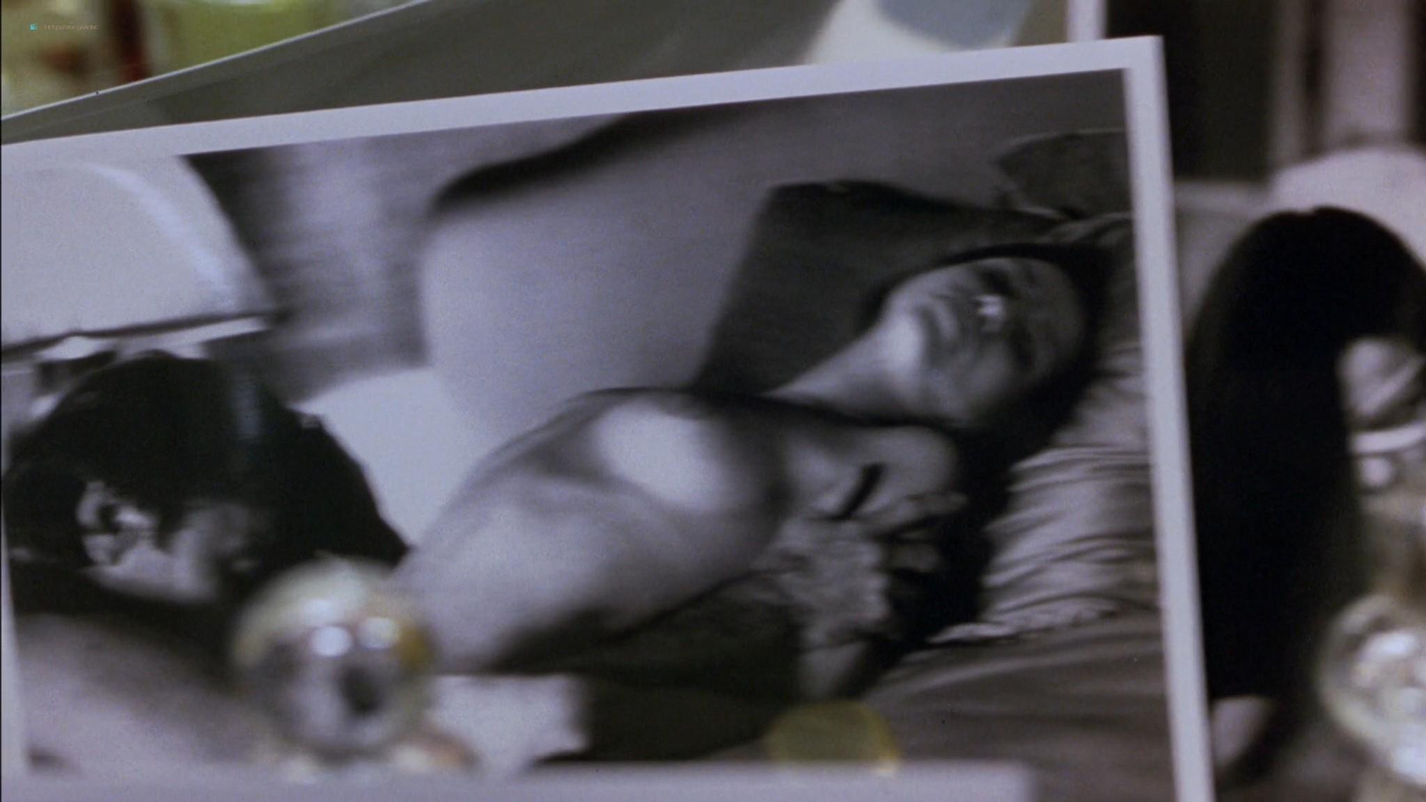 Linda Fiorentino nude Angie Everhart nude full frontal - Jade (1995) HD 1080p BluRay (3)