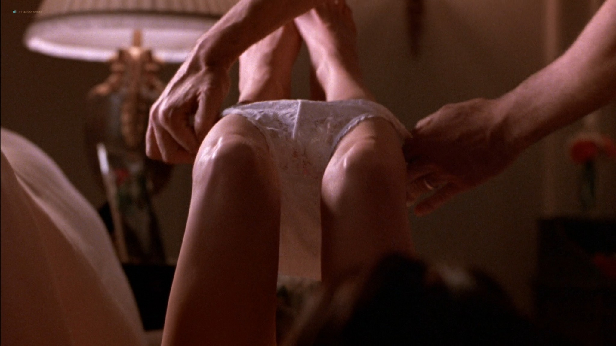 Linda Fiorentino nude Angie Everhart nude full frontal - Jade (1995) HD 1080p BluRay (15)