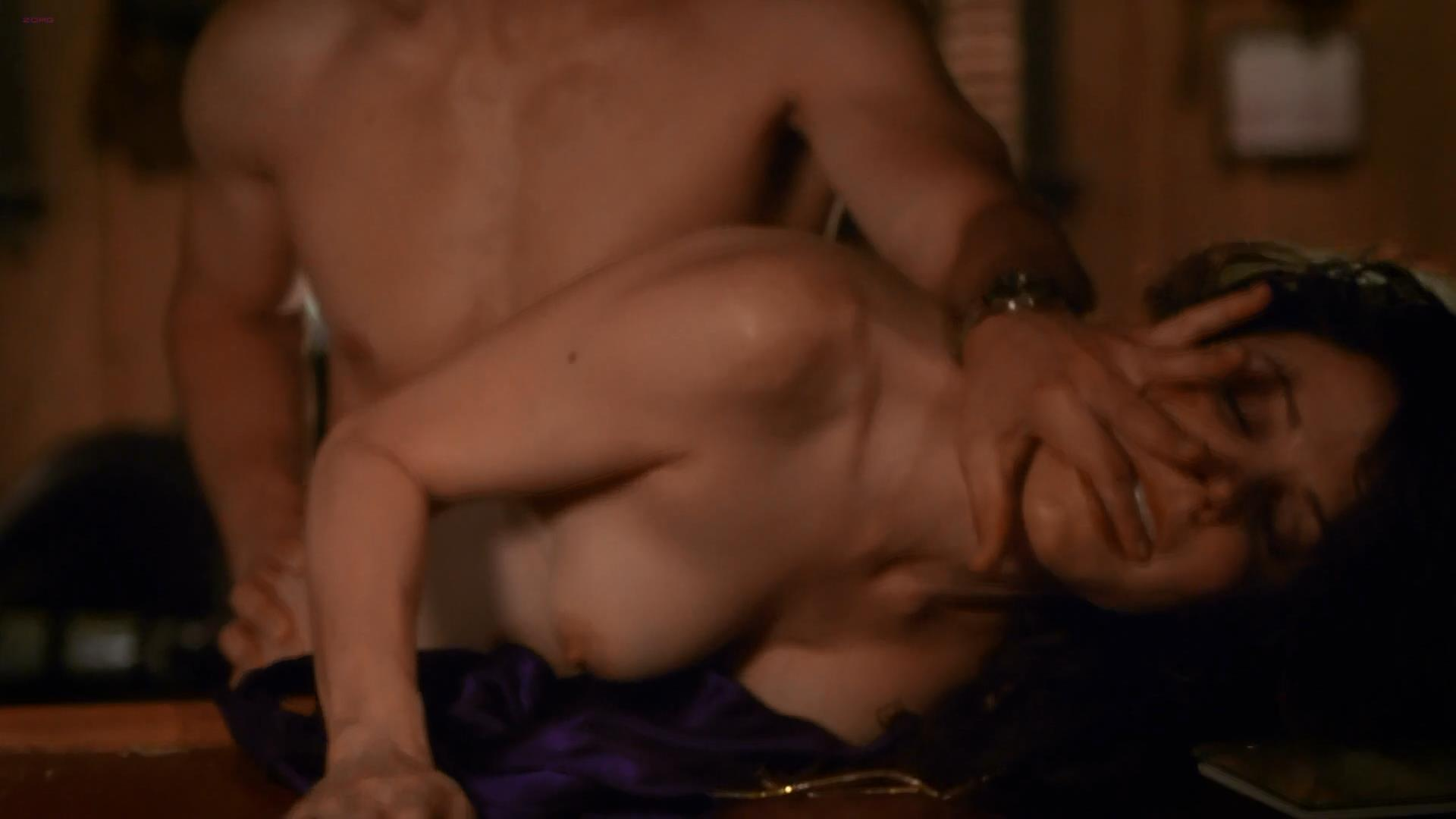 Mary louise parker weeds sex scenes pic 256