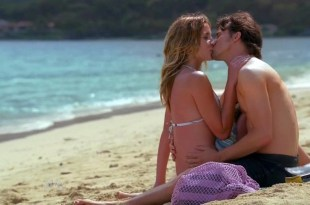 Sarah Roemer and Taylor Cole sexy bikini - The Event S1E1 HD720p