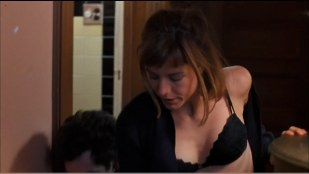 Tea Leoni hot cleavage and Patricia Arquette sexy lingerie - Flirting with Disaster (1996) hd1080p