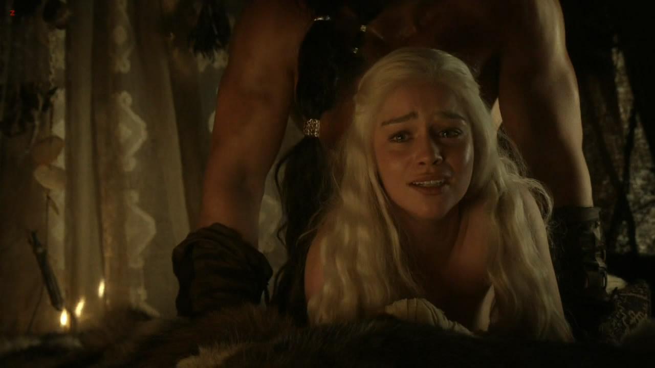 Emilia clarke nude love scene on scandalplanetcom 7