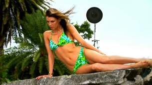 Angela Lindvall and Serinda Swan hot in bikini in - Hawaii Five-0 s01e22 hdtv720p