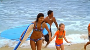 Grace Park hot and wet in bikini in - Hawaii Five-0 s01e22 hdtv720p