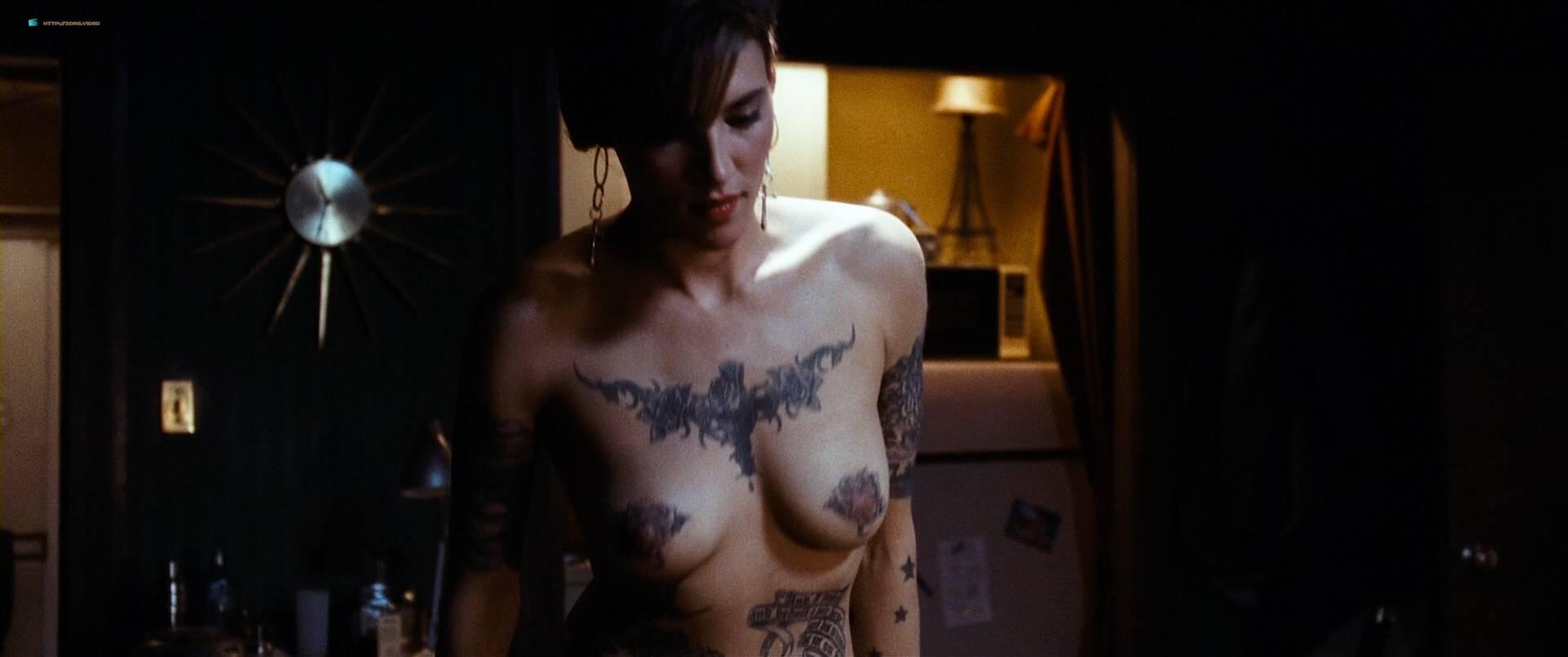 Alexandra Fox Videos Porno megan fox naked but covered and alexandra ruddy naked