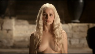 Emilia Clarke nude topless and butt naked in – Game of Thrones s01e01 hdtv1080p