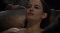 Eva Green nude in the bath - Camelot (2011) s1e9 hd720p (4)