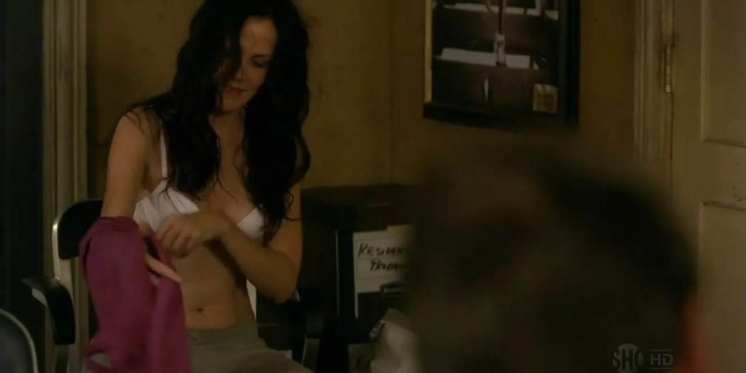 Mary-Louise Parker hot inlingerie and mild sex in - Weeds s07e01 hdtv720p