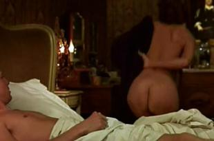 Diane Kruger nude butt and side boob - Mon idole (2002)