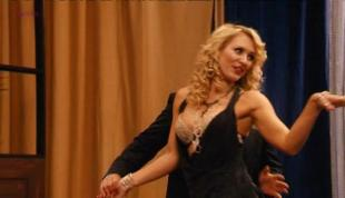 Nicky Whelan sexy and funny in - Hollywood & Wine (2010)