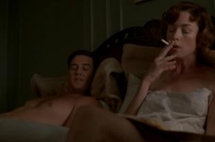 Julianne Nicholson nude side boob – Boardwalk Empire S02E09 hd720p