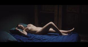 Monica Bellucci nude topless - Un ete brulant (FR-2011) HD 1080p BluRay (5)