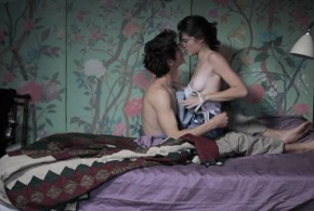 Audrey Bastien nude topless and sex – J'aime regarder les filles (2011)