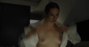 Kristen Connolly nude topless - House Of Cards s01e01 (2013) HD 1080p (5)