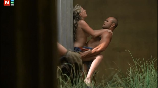 Bonnie Sveen naked sex outdoor from Spartacus Vengeance s2e3 hd720p