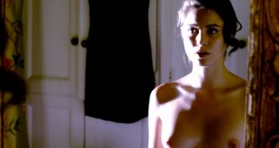 Christine Donlon hot sex and nude in the bath - Femme Fatales (2011) s1e13 hd720p (11)