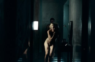 Diane Kruger nude full frontal – Inhale (2010) HD 1080p BluRay