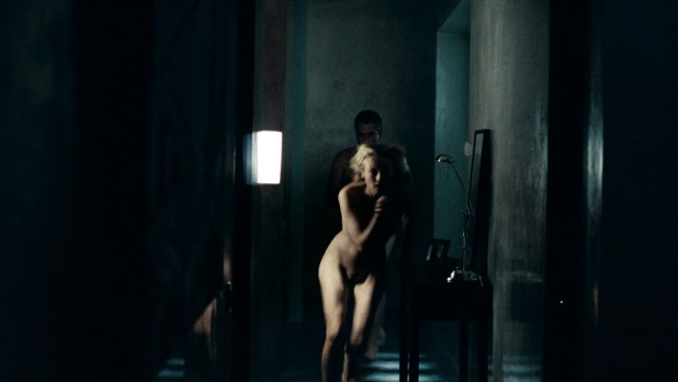 Diane Kruger nude full frontal - Inhale (2010) HD 1080p BluRay (2)
