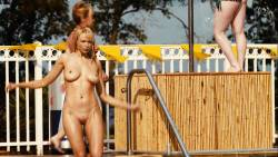 Irina Voronina full frontal nude Katrina Bowden hot - Piranha 3DD (2012) hd720p (9)