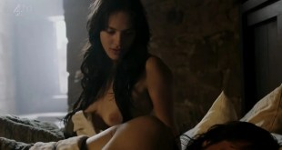 "Jessica Brown Findlay full nude topless and great butt shot ""Labyrinth"" 1x1 (2013) hd720p"