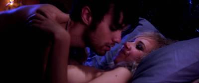 Juno Temple nude sex Haley Bennett, Roxane Mesquida nude lesbian - Kaboom (2010) HD 1080p (18)
