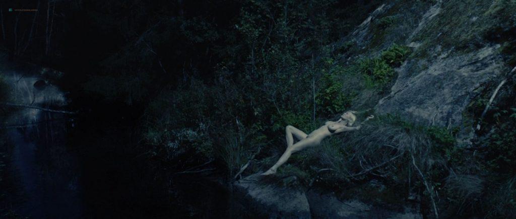 Kirsten Dunst nude topless in Lars von Trier's - Melancholia (2011) HD 1080p BluRay (5)